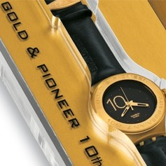 Gold and Pioneer Member Swatch